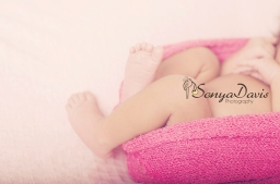 {Atlanta  and Snellville Newborn Photographer} Sonya Davis Photography witnesses some awesome newborn angel play.
